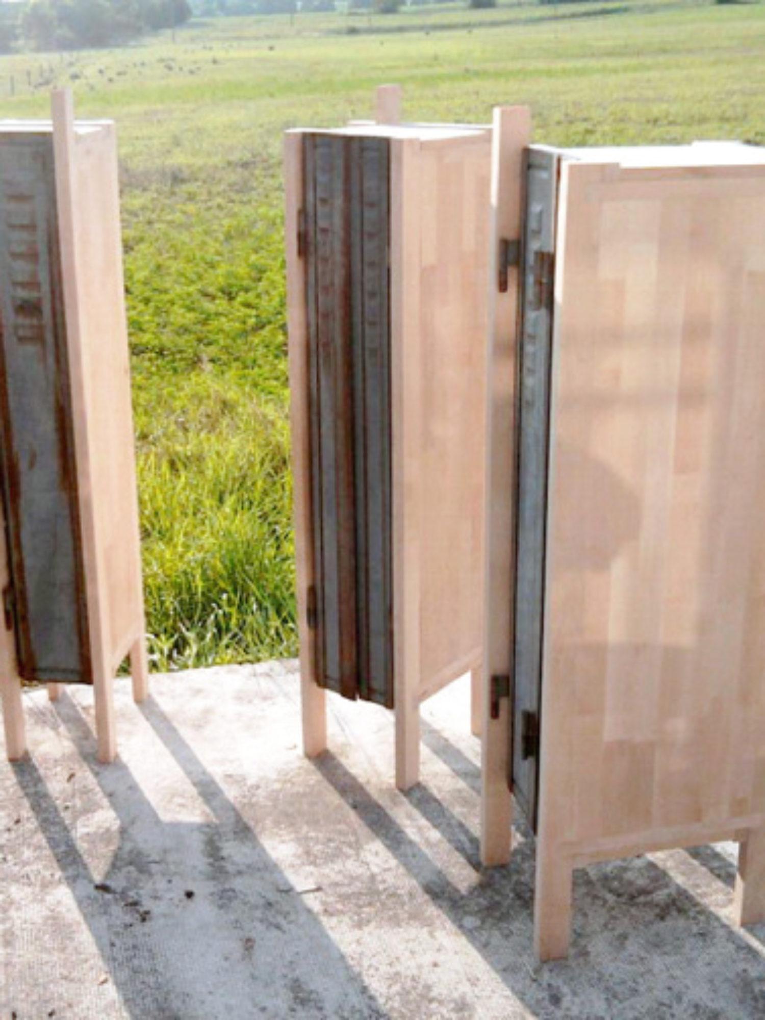 VESTIAIRES • Comment transformer des vieux volets métalliques