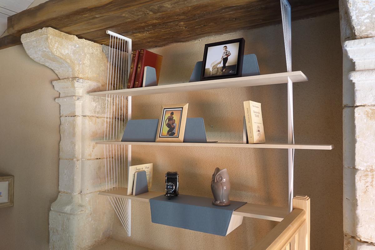 BIBLIOTHÈQUE • Création originale d'un meuble sur-mesure suspendu