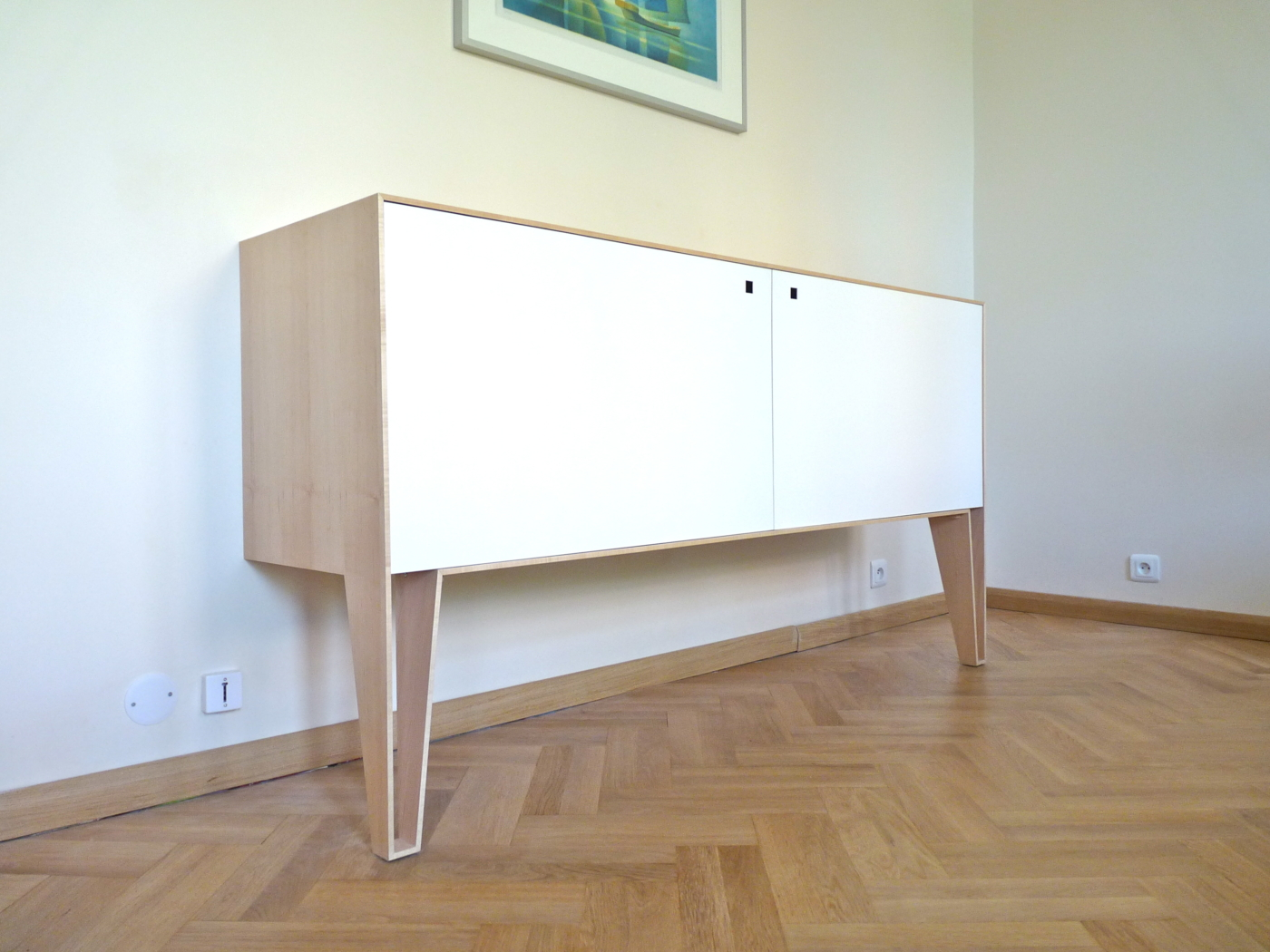 buffet loft white un mobilier dessiné et conçu sur mesure par le studio superstrate - bois d'érable et aluminium laqué blanc
