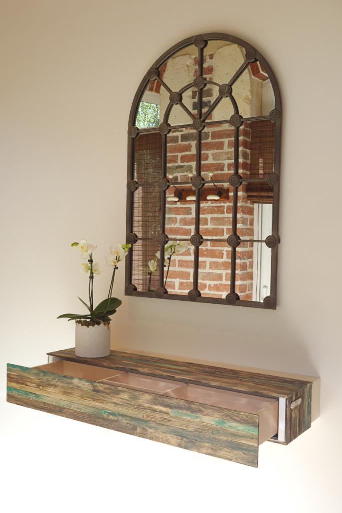 meuble sur mesure originale en bois d'érable et pin sylvestre teinté et patiné dessiné et fabriqué par le studio superstrate à toulouse