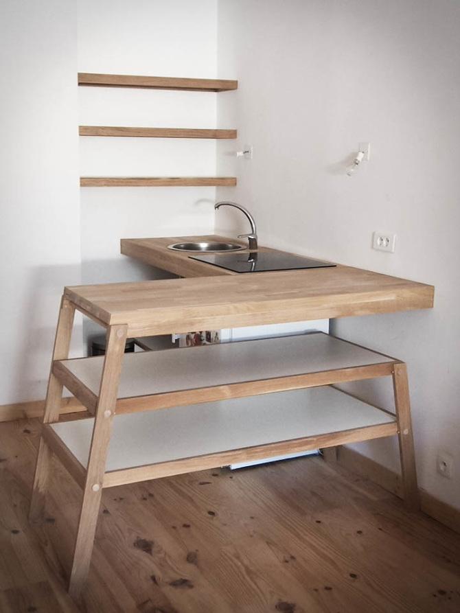 Cuisine chene solaire, une kitchenette conçu par Superstrate à Sète.