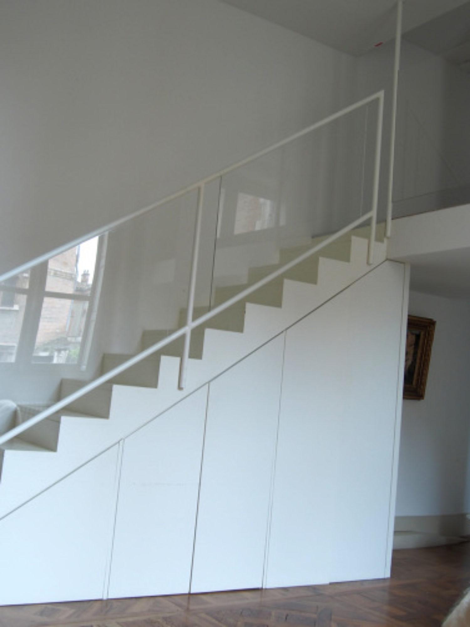 RAMBARDE & GARDE-CORPS • Comment sécuriser un escalier sculptural