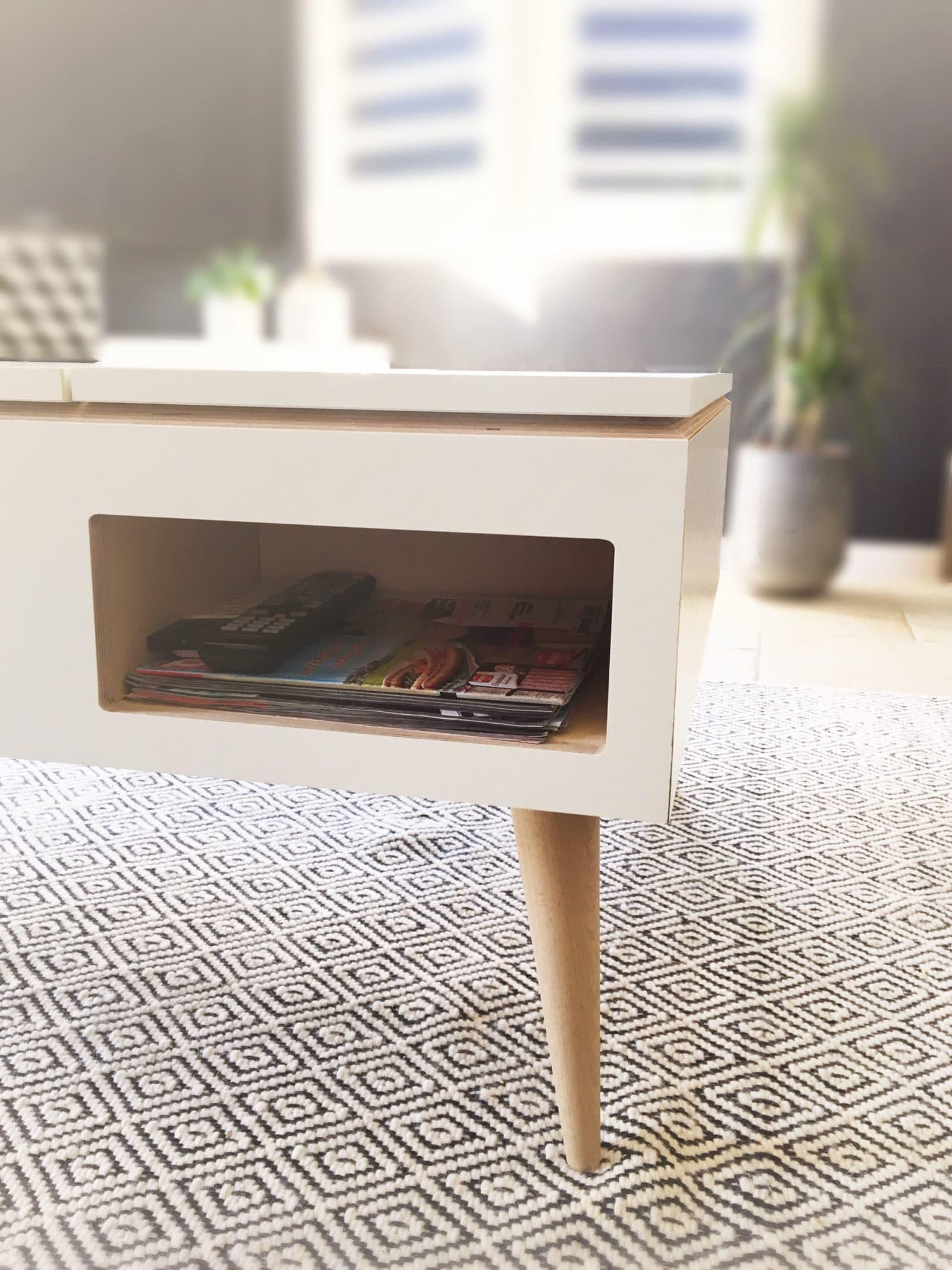 TABLE BASSE • Un design élégant et un système relevable pratique pour profiter d'un bon plateau Tv en famille