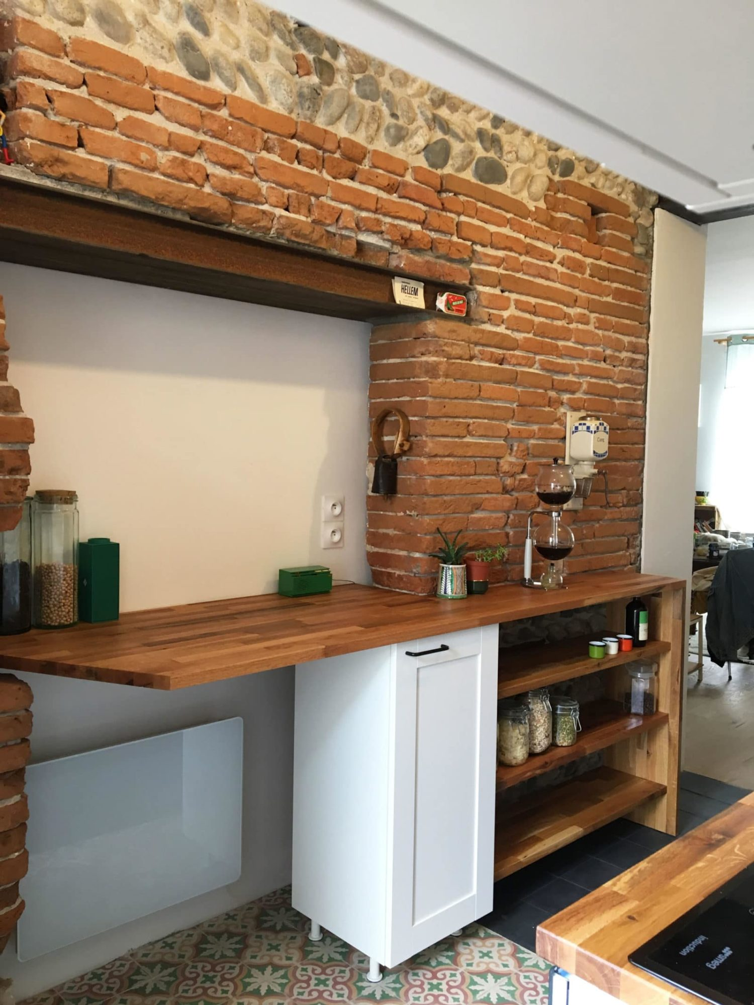 CUISINE • Aménager une cuisine dans un intérieur en brique foraine toulousaine.