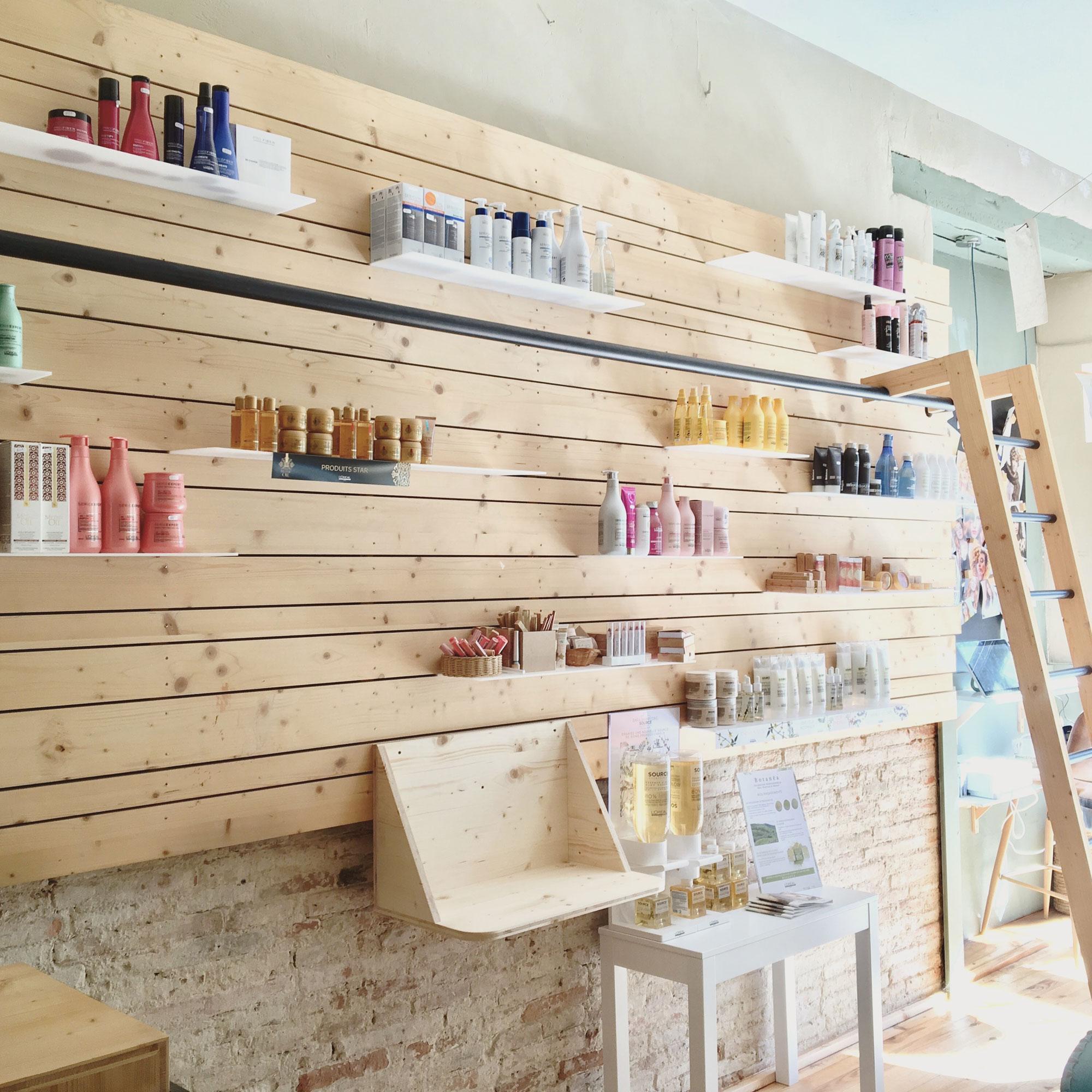 AGENCEMENT MAGASIN • Création de mobilier sur-mesure pour un salon de coiffure à Toulouse