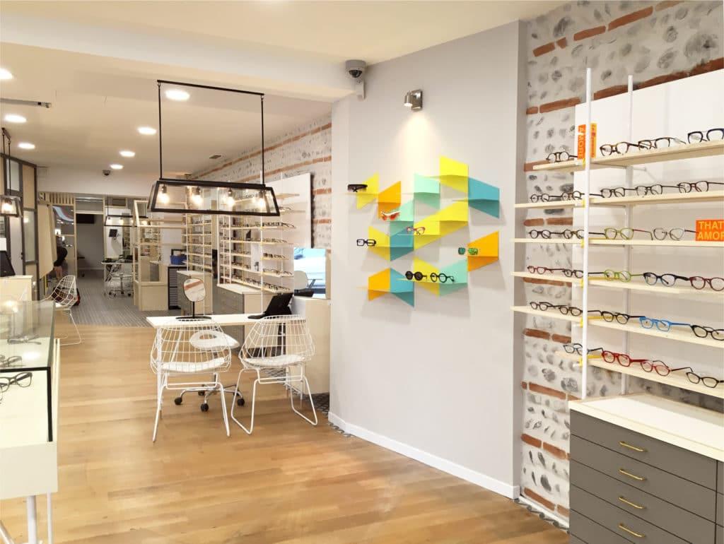 Un agencement de boutique sur mesure adapté à votre activité de professionnel. Transformez votre magasin nous nous occupons de votre chantier de A à Z